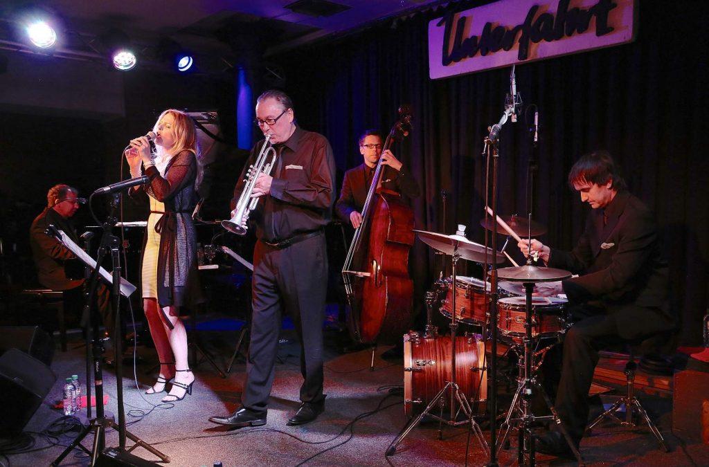 Jasmin Bayer und Band. Foto: Ralf Dombrowski